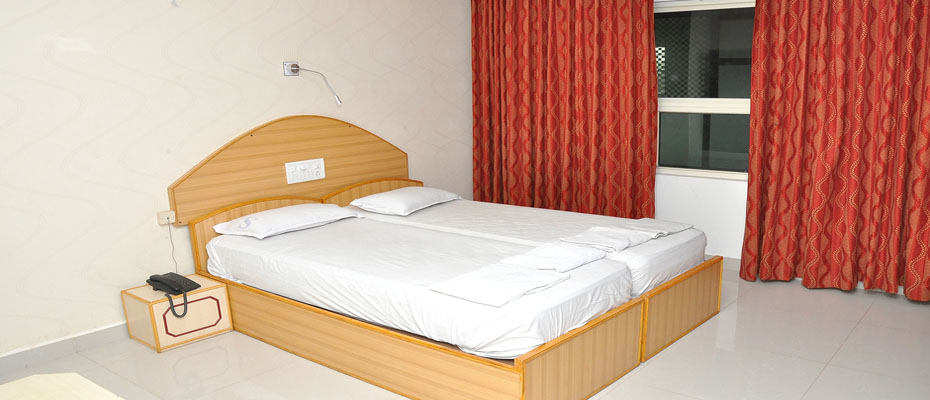 Double Bed Non Ac Deluxe Room